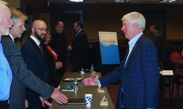 Gov. Snyder recognizes Eaton Rapids as a Rising Tide city