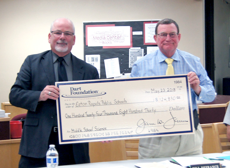 Eaton Rapids Middle School  receives Dart Foundation Grant