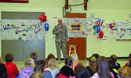 Washington Elementary students welcome home SFC Jeff Smith