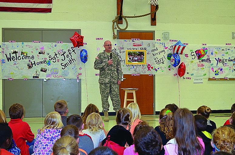 Washington Elementary students welcome home SFC Jeff Smith