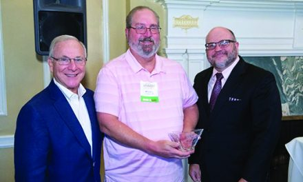 Helping Hands Food Pantry  receives Beacon of Light Award