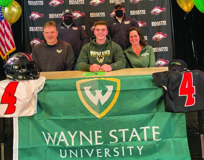 Hayward signs with  Wayne State University